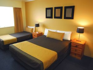 Mt Ommaney Hotel Apartments - Australia Accommodation