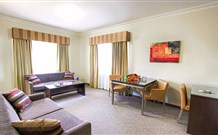 Governor Macquarie Motor Inn - Bathurst - Australia Accommodation