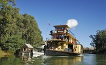Paddlesteamer Emmylou - - Australia Accommodation