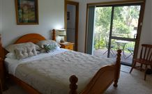 Peaceful Palms Bed and Breakfast - - Australia Accommodation