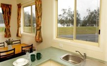 Mavis's Kitchen and Cabins - Australia Accommodation