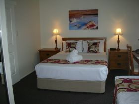 Palm View Holiday Apartments - Australia Accommodation