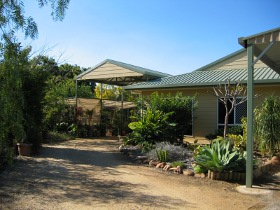 Olas Holiday House - Australia Accommodation