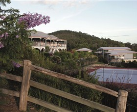 Jacaranda Creek Farmstay and Bed and Breakfast