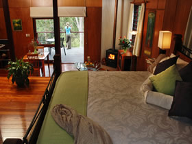 Whispering Valley Cottage Retreat - Australia Accommodation