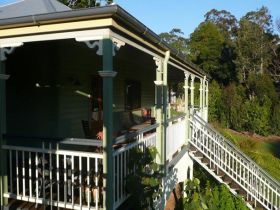 The Sanctuary Springbrook. Guest House / Cottage - Australia Accommodation