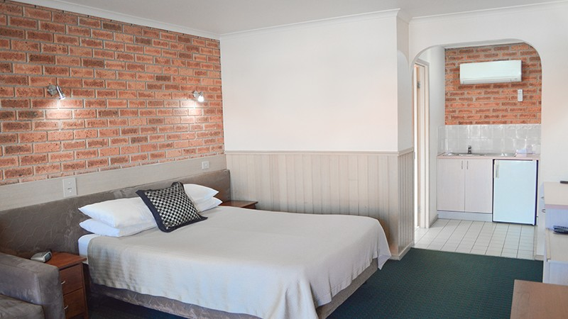 BEST WESTERN Colonial Motor Inn - Australia Accommodation