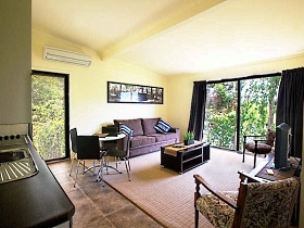 New Norfolk Apartments - Australia Accommodation