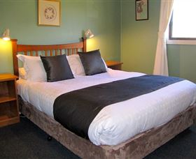 Engadine Cottage - Australia Accommodation
