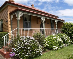 Kenya Cottage - Australia Accommodation