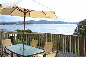Waterfront on Georges Bay - Australia Accommodation