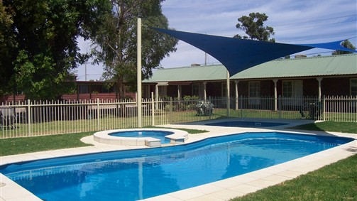 Carn Court Holiday Apartments - Australia Accommodation