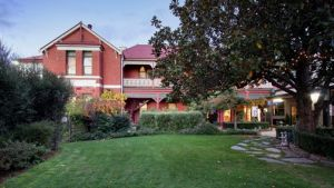 Alzburg Resort Mansfield - Australia Accommodation