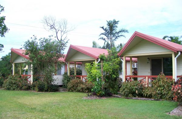 Flying Fish Point Tourist Park - Australia Accommodation