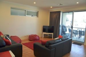 Port Lincoln City Apartment - Australia Accommodation