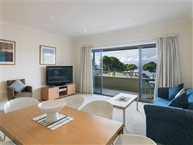 Aurora Ozone Apartments - Australia Accommodation