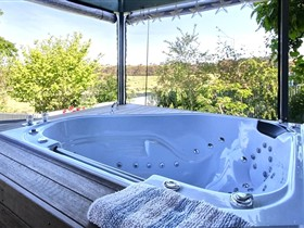 Away to Relax Massage Getaways at Welcome Springs BB Retreat - Australia Accommodation