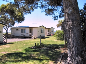 Hillview Caravan Park - Australia Accommodation