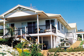 Loverings White House - Emu Bay - Australia Accommodation