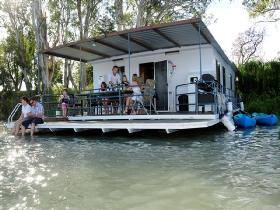 The Murray Dream Self Contained Moored Houseboat - Australia Accommodation
