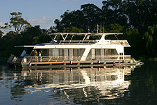 Whitewater Houseboat - Australia Accommodation