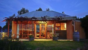 Minko Farmstay - Australia Accommodation