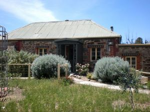 Olive Grove Retreat - Australia Accommodation