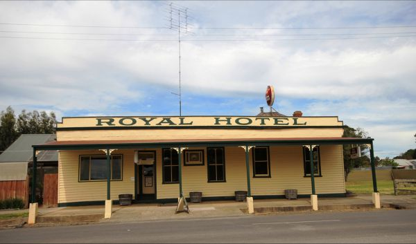 Royal Hotel Snake Valley - Australia Accommodation