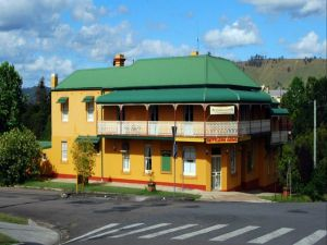 Settlers Arms Hotel - Australia Accommodation
