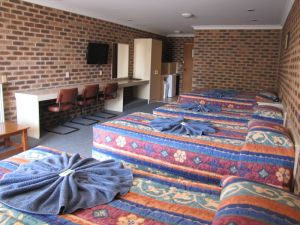 Big Trout Motor Inn - Australia Accommodation