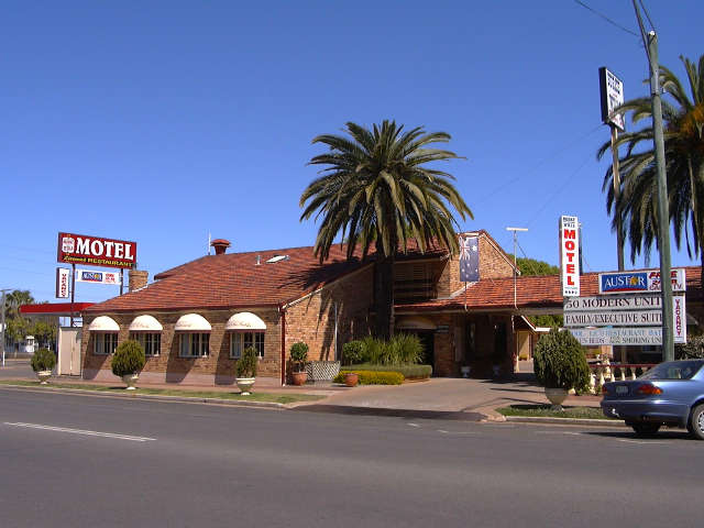 Burke  Wills Motor Inn - Australia Accommodation