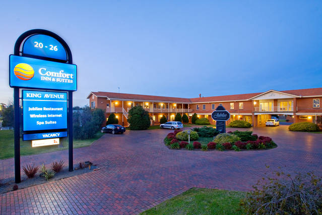 Comfort Inn  Suites King Avenue - Australia Accommodation