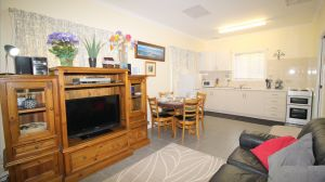 Riverview Cottage Migrant and holiday rental Port Noarlunga - Australia Accommodation