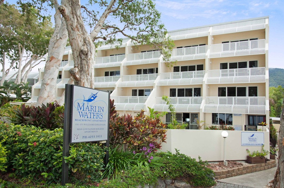 Marlin Waters Beachfront Apartments - Australia Accommodation