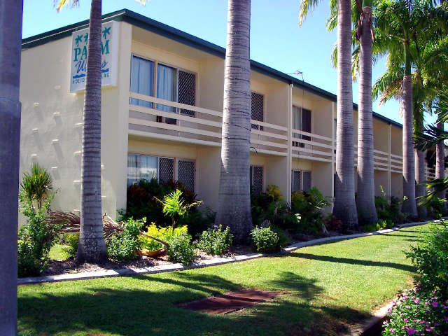 Palm Waters Holiday Villas - Australia Accommodation