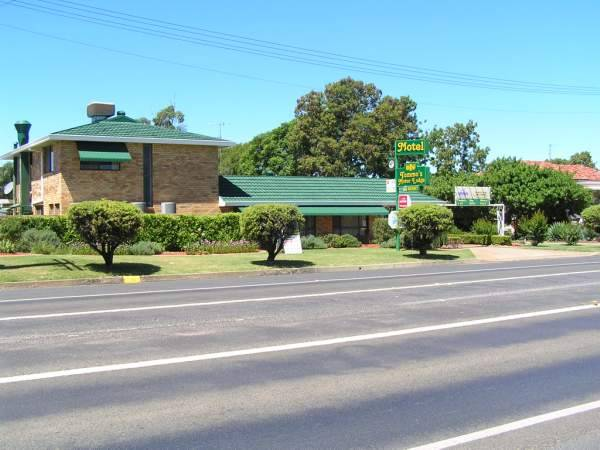 Tommos Motor Lodge - Australia Accommodation