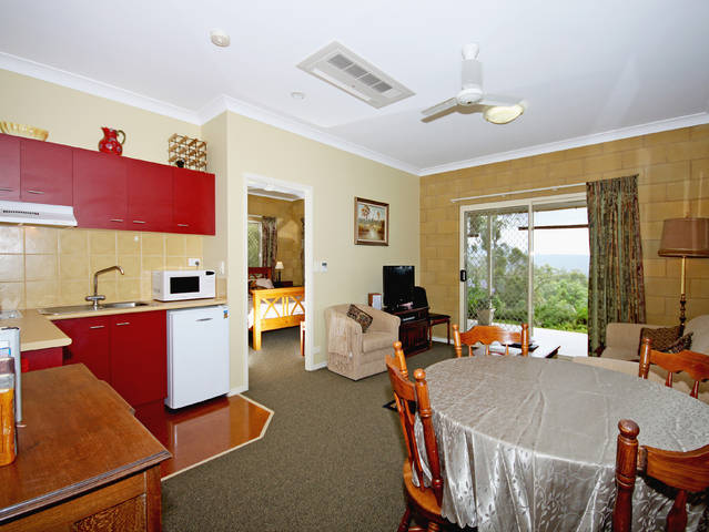 Wallaby Ridge Retreat - Australia Accommodation