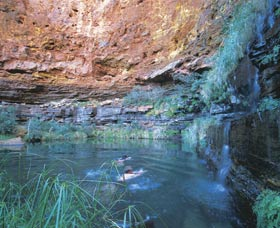 Dales Gorge and Circular Pool - Australia Accommodation