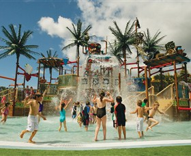 Wet 'n' Wild Water World - Australia Accommodation
