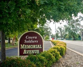 Memorial Avenue in Cowra - Australia Accommodation