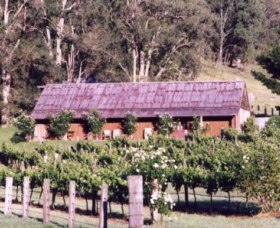 Undercliff Winery and Gallery - Australia Accommodation