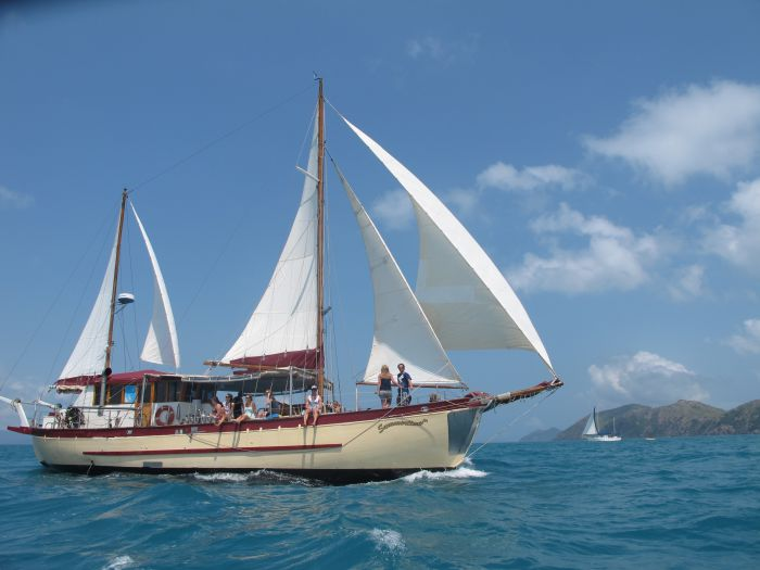 Adventure Cruise Dive and Outer Reef - Whitsundays Sailing Adventures - Australia Accommodation