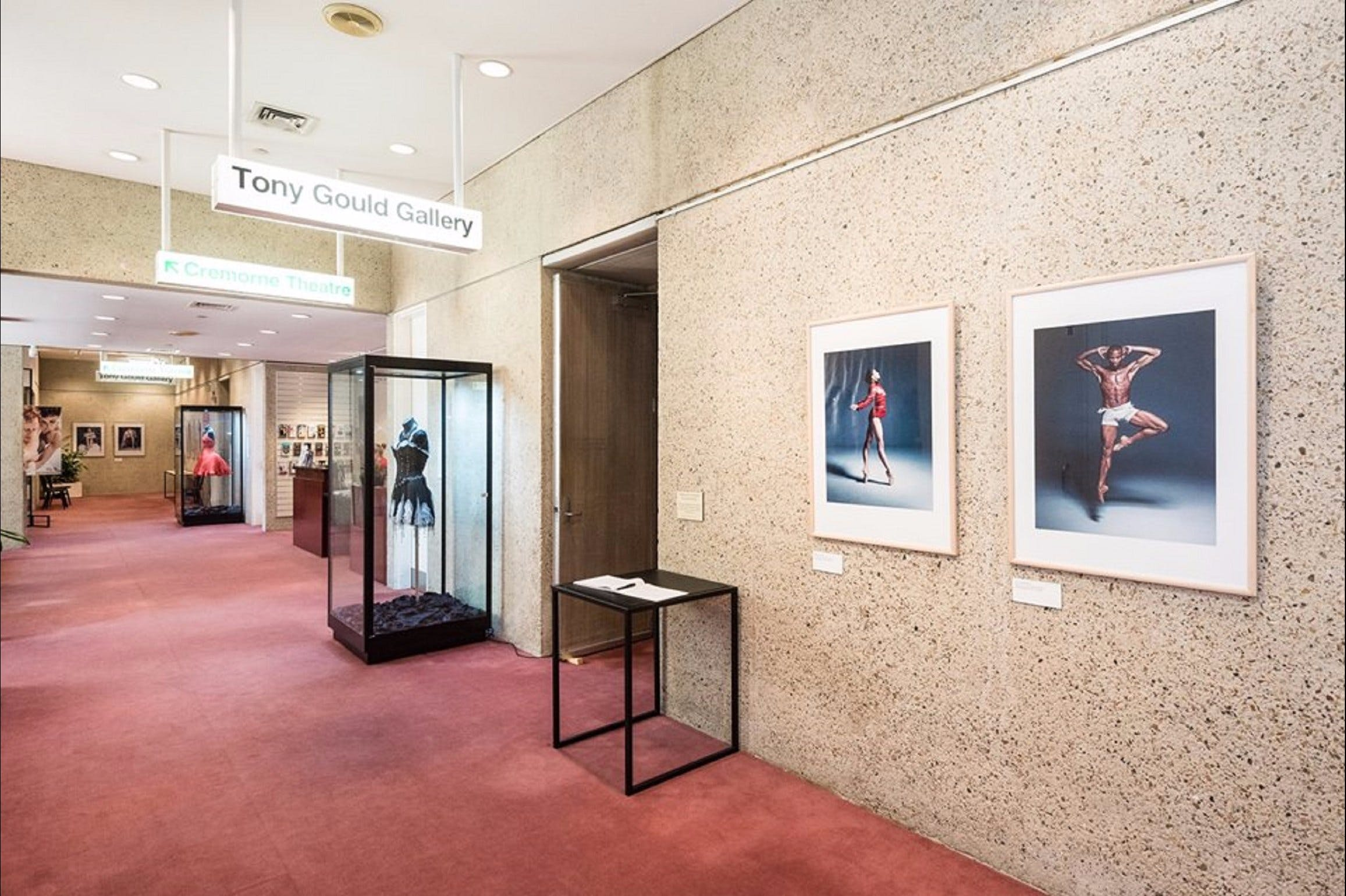 Tony Gould Gallery - Australia Accommodation