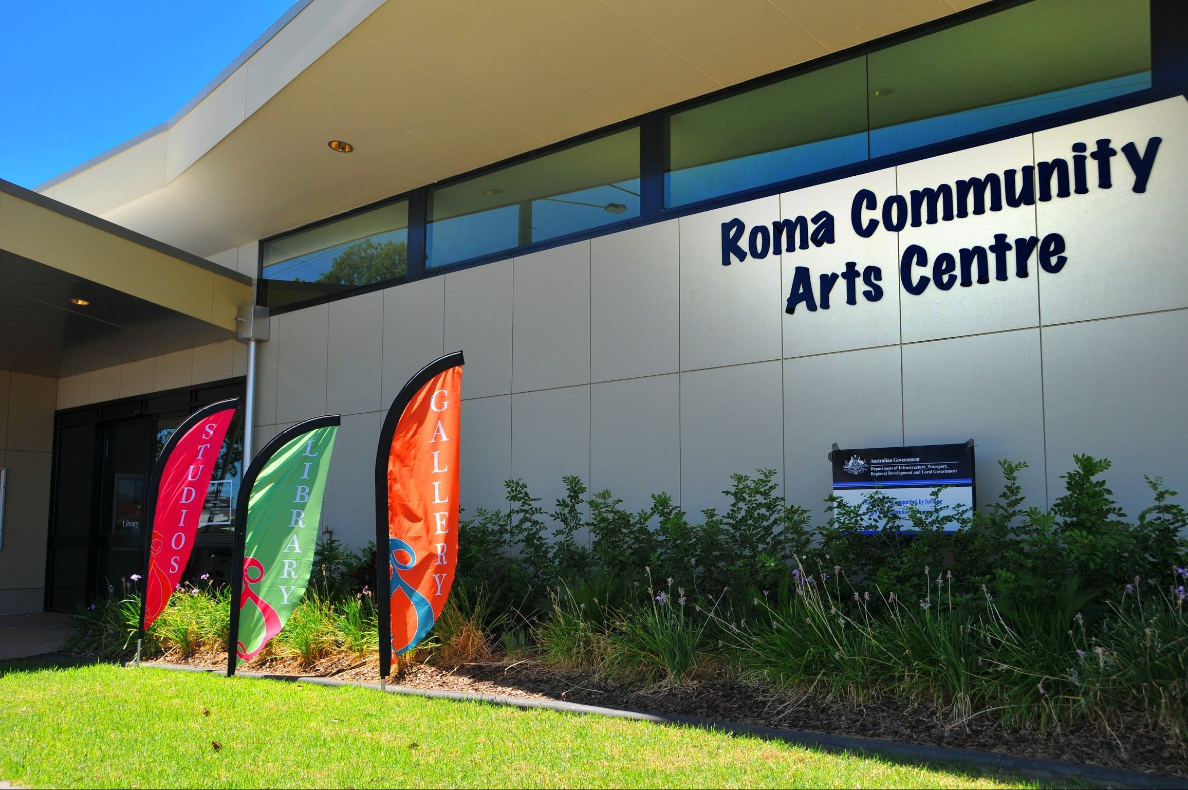 Roma on Bungil Art Gallery and the Walk of Art - Australia Accommodation