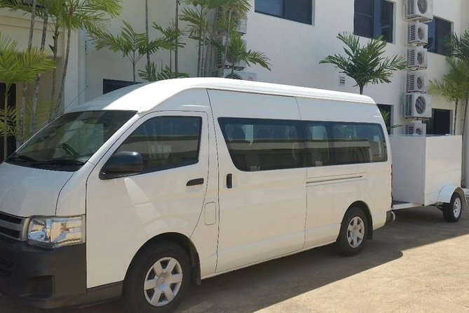 Airport Transfer to or fm Palm Cove accommodation for up to 13 people 7am-10pm - Australia Accommodation
