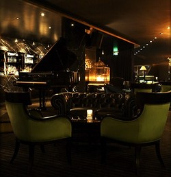 Trademark Hotel Lounge Bar and Piano Room - Australia Accommodation