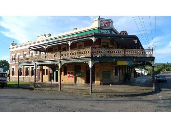 Bank Hotel Dungog - Australia Accommodation