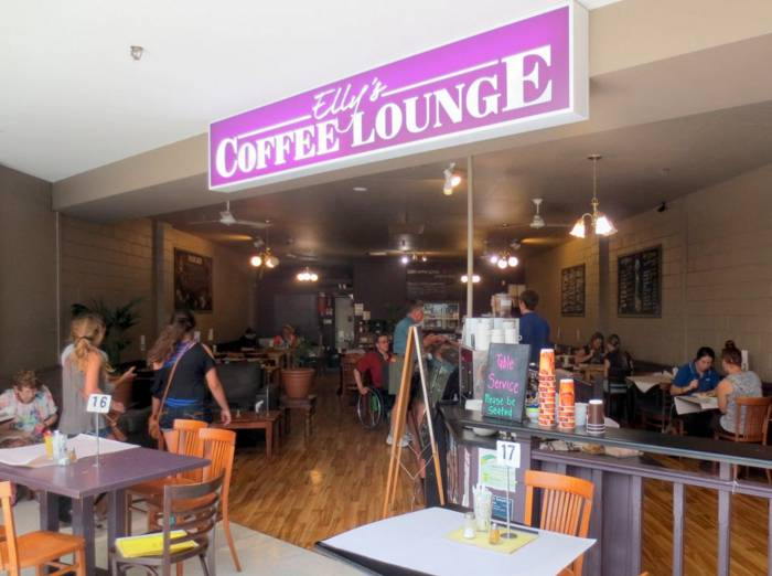 Ellys Coffee Lounge - Australia Accommodation
