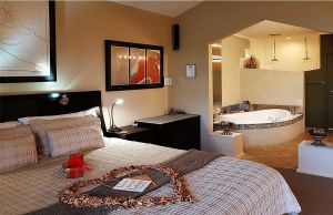Romantic Getaways at Riverview Rise Retreats - Australia Accommodation