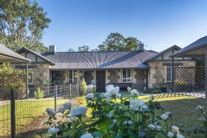 Stoneleigh Cottage Bed and Breakfast - Australia Accommodation